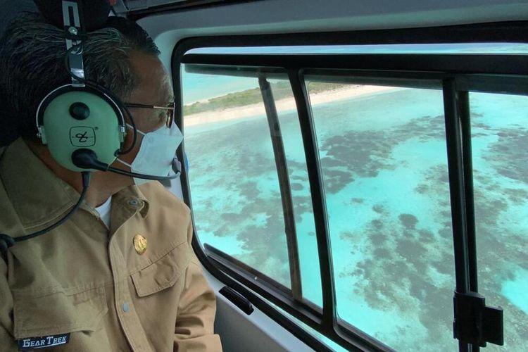 Gubernur Sulsel, Nurdin Abdullah mengunjungi Pulau Lantigiang di Kabupaten Kepulauan Selayar yang dikabarkan dijual.