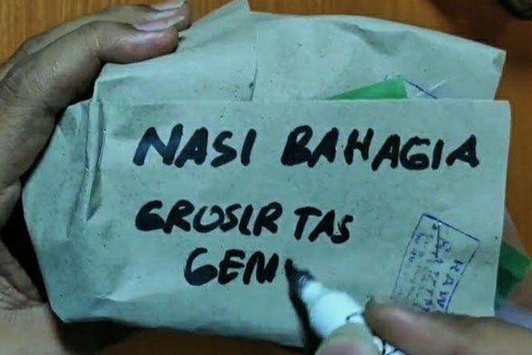 Pasutri yang viral membagikan nasi bungkus berisikan uang Rp 1 juta