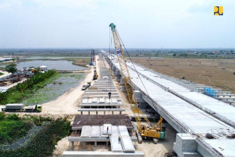 Jalan Tol Krian-Legundi-Bunder-Manyar (KLBM) seksi 1-3 ditargetkan beroperasi pada akhir 2019.