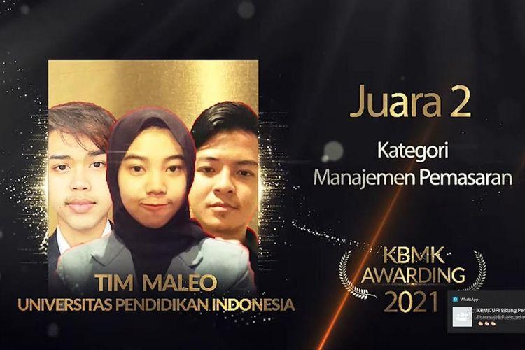 Tim Laskar Juara yang terdiri dari dua mahasiswa Universitas Pendidikan Indonesia (UPI) meraih juara dua kategori Manajemen Pemasaran dalam Kompetisi Ilmu Bisnis, Manajemen, dan Keuangan (KBMK) 2021.