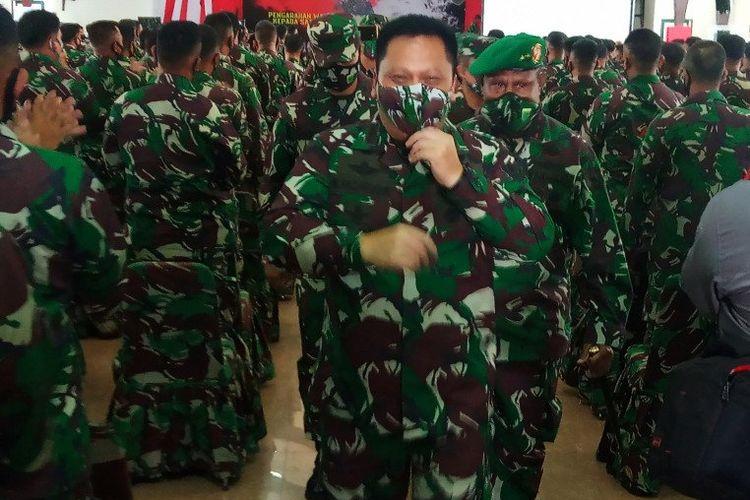 Wakil Kepala Staf TNI Angkatan Darat Mayjen Moch Fachruddin, usai memberi arahan kepada pasukan BKO di Markas Kodam XVIII/Kasuari, di Manokwari, Senin (13/7/2020)