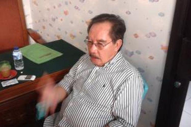 Mantan Ketua KPK Antasari Azhar, saat ditemui di ruang tunggu tahanan Pengadilan Negeri Jakarta Selatan, Selasa (11/11/2014). Antasari kembali mengajukan sidang praperadilan terkait SMS gelap, yang menjadi bukti dalam persidangan soal kasus pembunuhan yang melibatkan Antasari.
