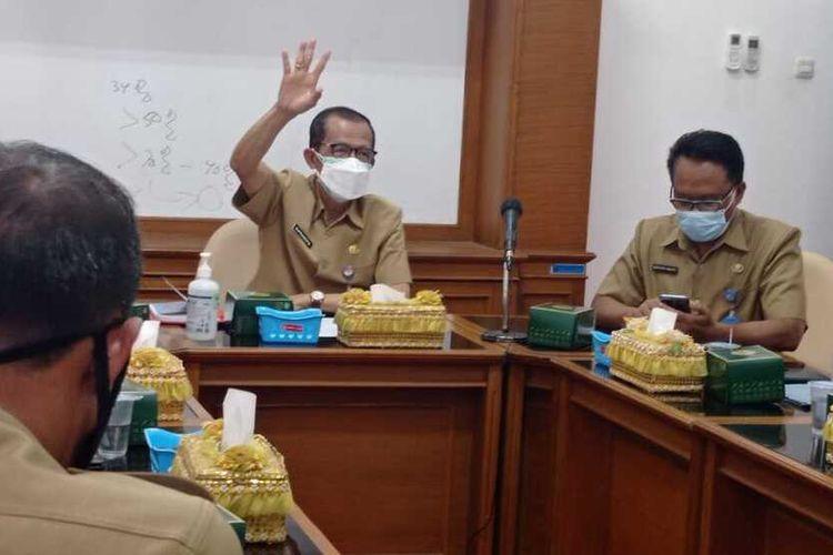 Bupati Magetan Suprawoto, indicator warga tervaksin jadi penilaian, Kabupaten Magetan kembali ke level 3 setelah beberapa hari berada di level 2.