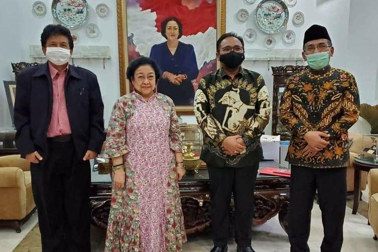 Menag Yaqut Cholil Qoumas bertemu Ketua Umum PDI Perjuangan yang juga Presiden ke-5 RI Megawati Soekarnoputri, Jumat (30/4/2021).