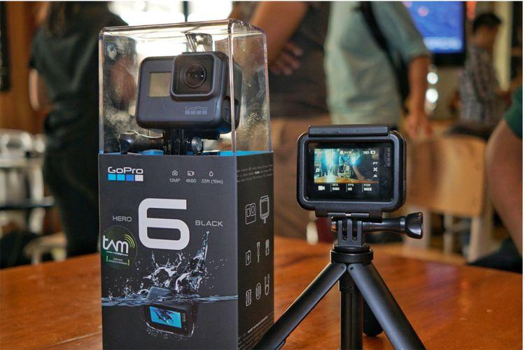 Kamera aksi terbaru GoPro Hero 6 Black resmi masuk Indonesia pada pertengahan Oktober 2017 dengan harga Rp 7,5 juta.