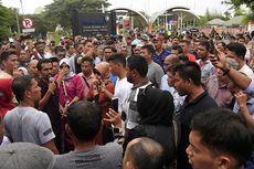 Demo Dukungan Irwandi Yusuf, Akses Keluar Masuk Bandara SIM Dialihkan