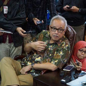 Kuasa hukum terpidana kasus terorisme Abu Bakar Baasyir, Mahendradatta, saat bertemu Wakil Ketua DPR Fadli Zon di ruang kerja Pimpinan DPR, gedung Nusantara III, Kompleks Parlemen, Senayan, Jakarta, Rabu (23/1/2019).
