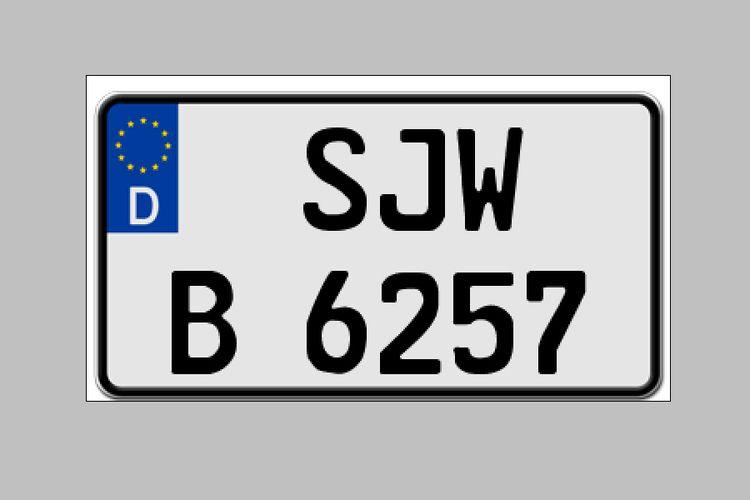 Contoh Pelat Nomor dengan Warna Dasar Putih yang Sudah Diterapkan di Eropa