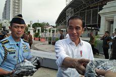 Jokowi Kunjungan Kerja di Gresik, Bagikan 2.020 Sertifikat Tanah hingga Semprot Satpol PP