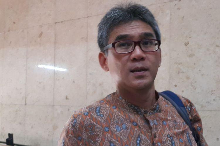Anggota tim sinkronisasi Anies Baswedan-Sandiaga Uno, Marco Kusumawijaya, di Balai Kota DKI Jakarta, Jalan Medan Merdeka Selatan, Selasa (23/5/2017).