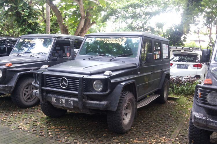 Sebuah Mercedes-Benz G-Class tipe W460 produksi tahun 1989 yang dimiliki seorang anggota komunitas Mercedes Jip Indonesia.