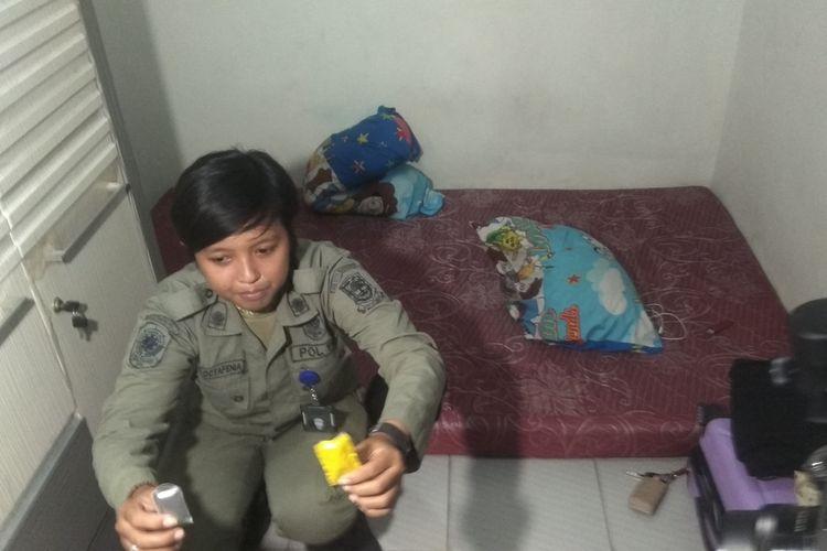 Razia rumah kos di wilayah Kota Mojokerto, dilakukan oleh Satpol PP dan BNNK Mojokerto, Jawa Timur, Kamis (20/2/2020).