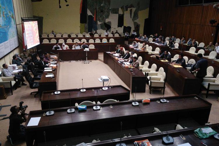 Rapat Dengar Pendapat (RDP) Komisi II DPR-RI dengan Komisi Pemilihan Umum (KPU) dan Badan Pengawas Pemilihan Umum (Bawaslu), Jakarta, Senin (12/6/2017).