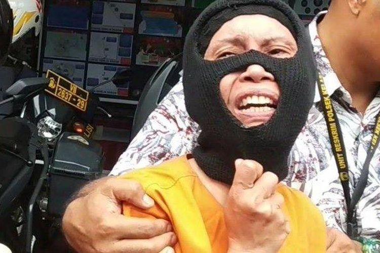 Rosmiati (42) saat diekspose di Mapolsek Kelapa Gading, Jakarta Utara, Jumat (31/1/2020)