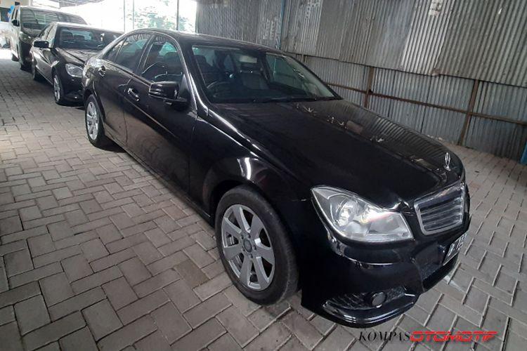Mercedes-Benz Eks Taksi Bluebird