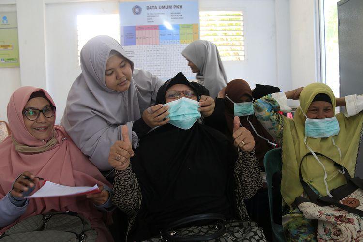 DPRK Kota Banda dan tim medis dari Dinas Kesehatan mulai membekali warga  Desa Beurawe, Kecamatan Kuta Alam, Banda Aceh  terhadap pentingnya menjaga pola hidup sehat untuk mencegah dan mengatasi agar terhindar dari wabah virus corona. Selasa (03/03/2020).