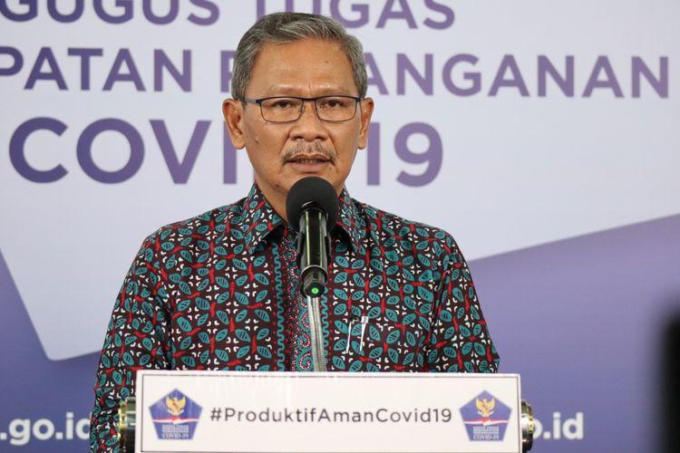 Juru Bicara Pemerintah untuk Penanganan Covid-19 Achmad Yurianto memberi keterangan di Graha Badan Nasional Penanggulangan Bencana (BNPB), Jakarta, Senin (6/7/2020).