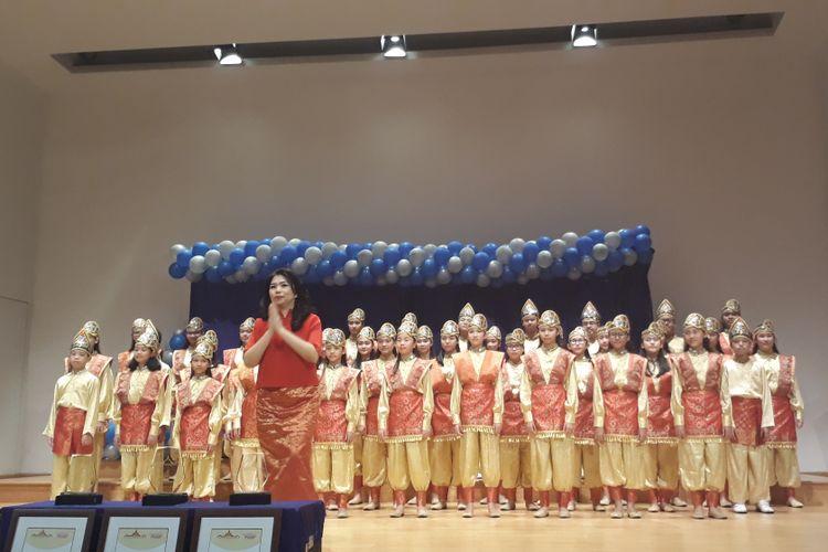 Pelatih musik Luciana Oendoen dan The Resonanz Childrens Choir saat dijumpai di Balai Resital Kertanegara, Kebayoran Baru, Jakarta Selatan, Sabtu (22/7/2017).