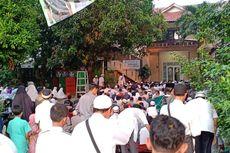 Sebagian Warga Depok Laksanakan Sholat Idul Fitri Hari Ini