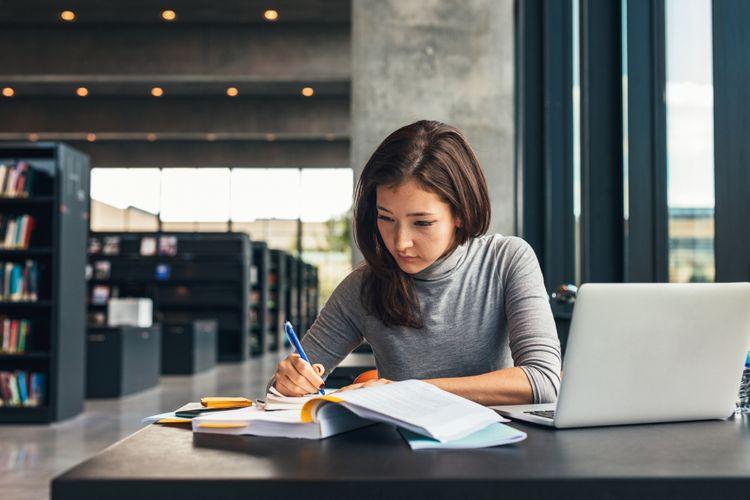 Calon mahasiswa harus rajin melakukan riset untuk menentukan jurusan dan kampus yang tepat untuk studinya.