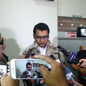 Kabag Pemberitaan dan Publikasi KPK Priharsa Nugraha di kantor KPK, Kuningan, Jakarta, Selasa (25/7/2017).