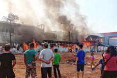 Kebakaran Landa Pasar Kalideres, 60 Kios Pedagang Hangus Dilalap Api