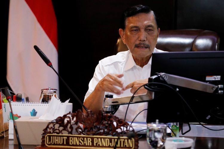 Menko Bidang Kemaritiman dan Investasi Luhut Binsar Pandjaitan memimpin rakor virtual terkait rehabilitasi mangrove, Jakarta, Selasa (10/11/2020).