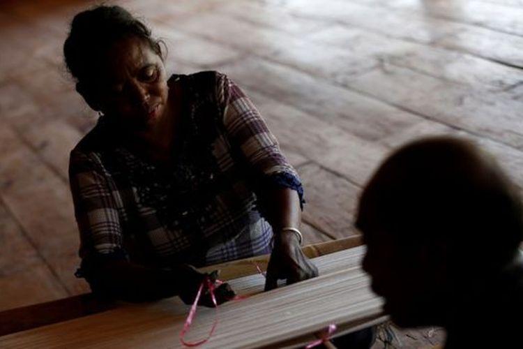 Foto ilustrasi wanita Sumba. Pegiat perempuan mengatakan kawin tangkap merendahkan martabat perempuan.