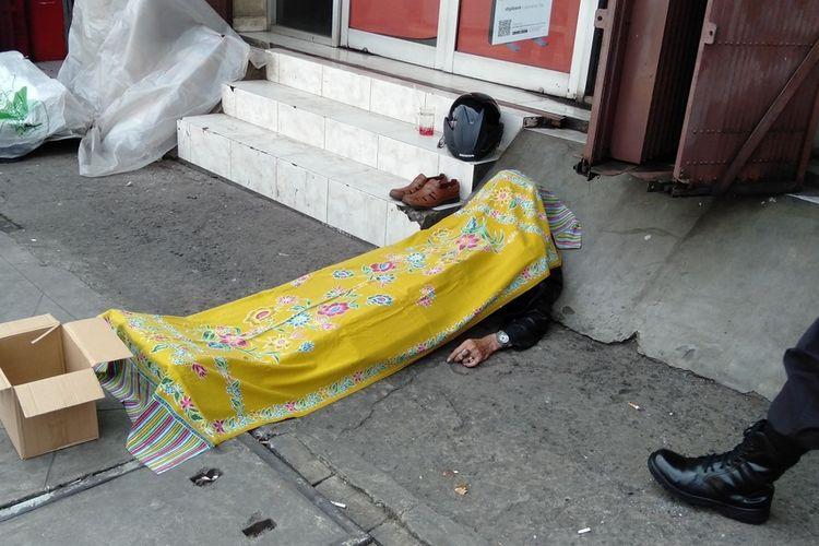 Tjoa Kwet Ming terjatuh secara tiba tiba dan tewas di depan toko obat kawasan Jatinegara, Jakarta Timur, Jumat (24/7/2020)