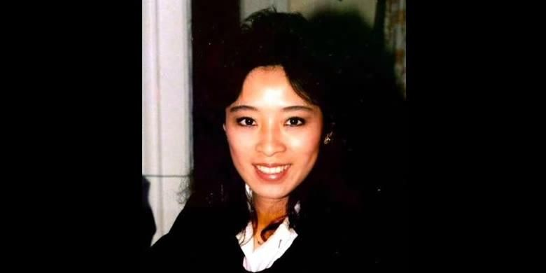 Betty Ong, pramugari American 11.
