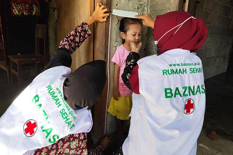 Baznas menerima penghargaan Lembaga Peduli Stunting di Kabupaten Parigi Moutung.