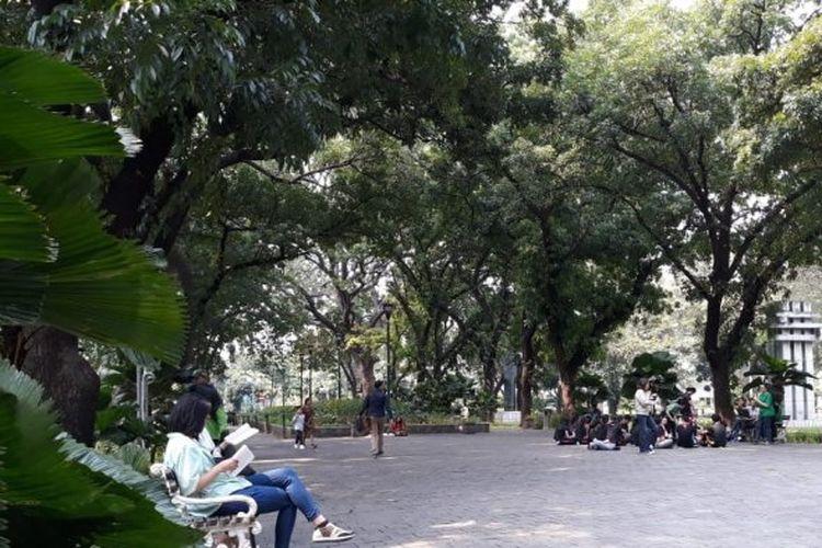 Suasana Taman Suropati