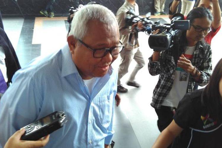 Mantan Ketua Badan Liga Indonesia Andi Darussalam Tabullasa menyambangi KPK untuk menjenguk anggota DPR RI Fraksi Hanura Dewie Yasin Limpo.