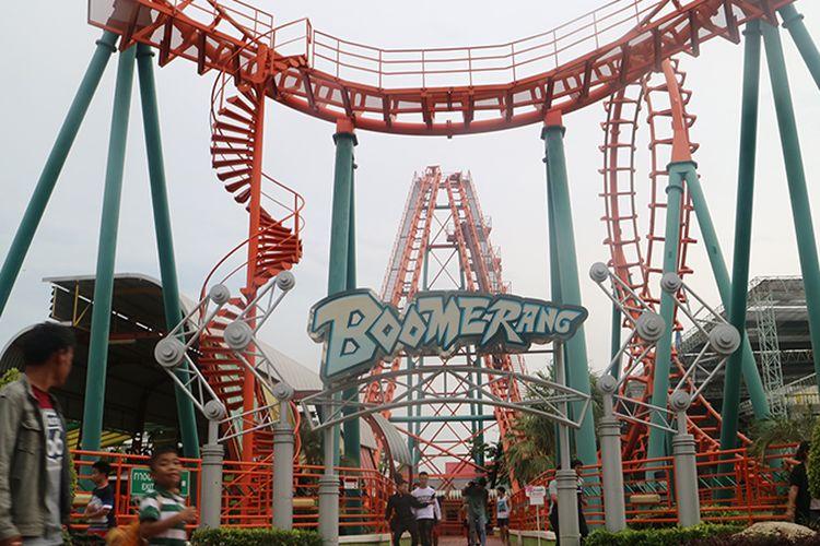 Boomerang merupakan salah satu wahana roller coaster yang bisa dijumpai di Siam Park City, Bangkok, Thailand.