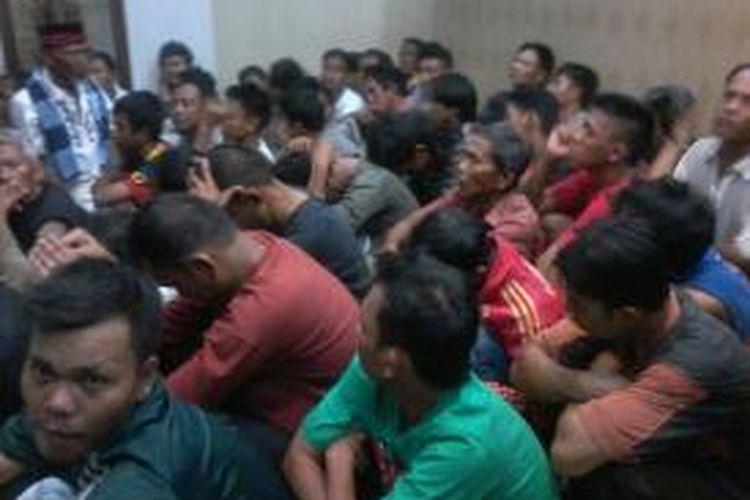 Sebanyak 48 preman di Pasar Tanah Abang, Jakarta Pusat, dibawa ke Mapolda Metro Jaya, Kamis (1/8/2013).