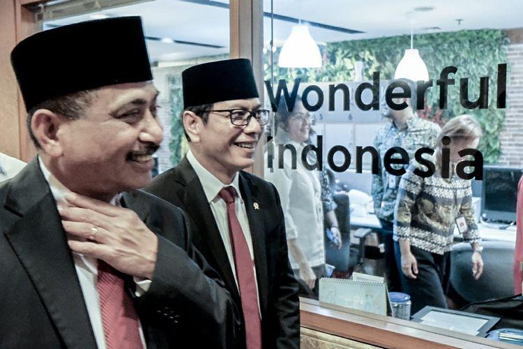 Wishutama, Menteri Pariwisata dan Ekonomi Kreatif, bersama Arief Yahya, Menteri Pariwisata perioede 2014-2019.