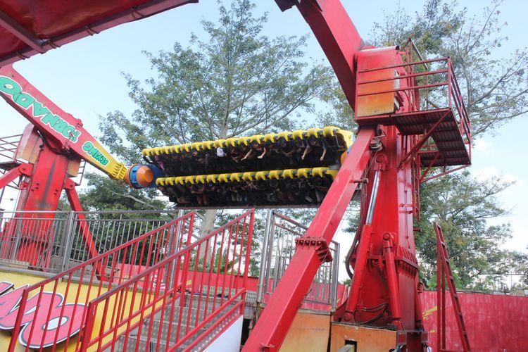 Wahana Flying Tornado di Jawa Timur Park 1 (Jatim Park 1)