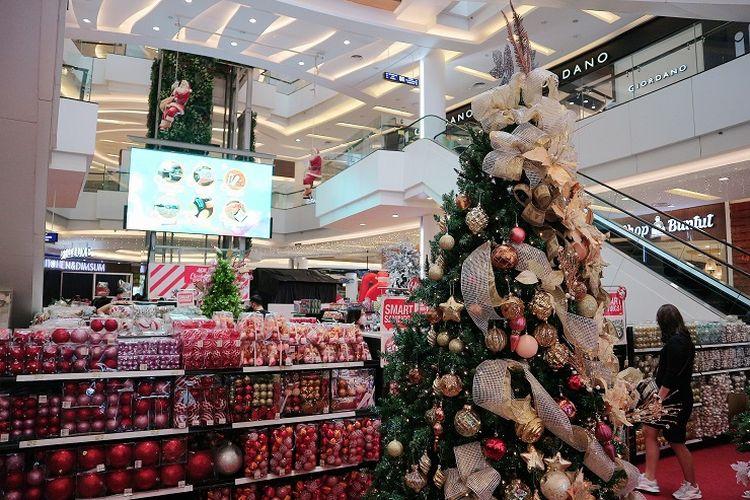 Living World Alam Sutera menghadirkan acara ?Holiday Shopping Spree? untuk menyambut Natal dan Tahun Baru 2021