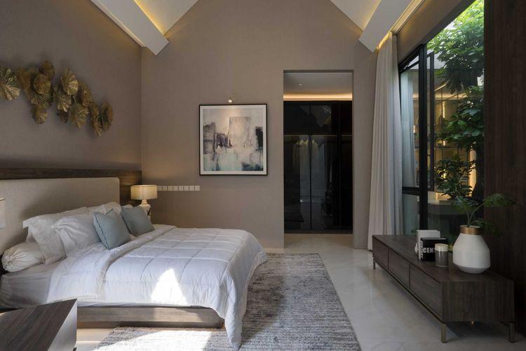 Penggunaan material kaca untuk pintu-pintu lebar karya Simple Projects Architecture