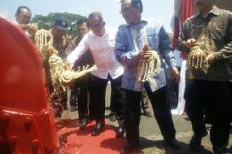 Peluncuran produk Pindad Excava 200 di PT Pindad, Gatot Subroto, Bandung, Kamis (10/9/2015).