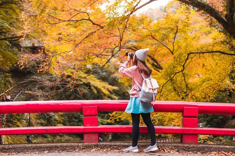 Ilustrasi etika memotret di Jepang.