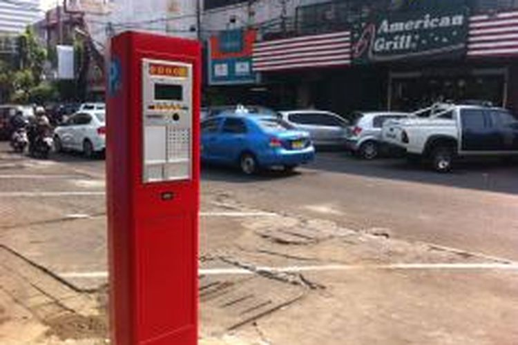 Mesin parkir meter yang terpasang Jalan Sabang, Jakarta Pusat.