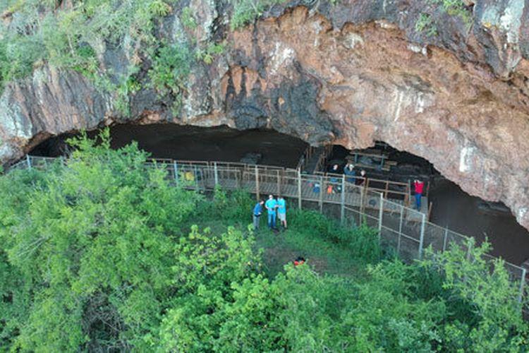 Gua Border terletak di tebing antara eSwatini (Swaziland) dan KwaZulu-Natal di Afrika Selatan.