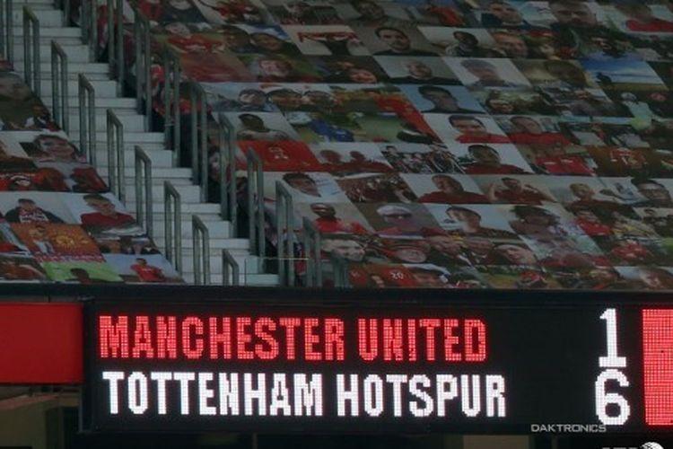 Papan skor setelah laga Manchester United vs Tottenham Hotspur pada pekan keempat Premier League 2020-2021.