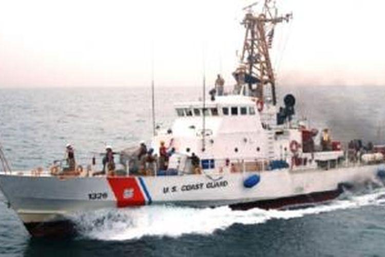 Kapal Penjaga Pantai AS, Monomoy, dalam sebuah foto tahun 2005