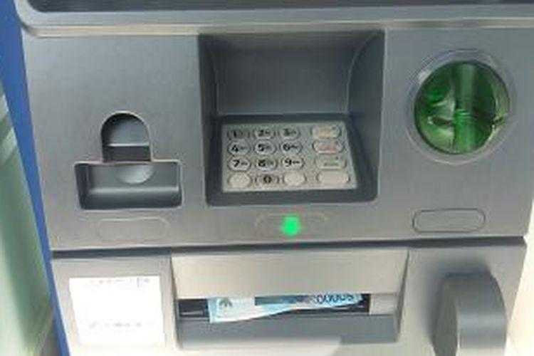 ATM di Jalan Sudirman Denpasar.