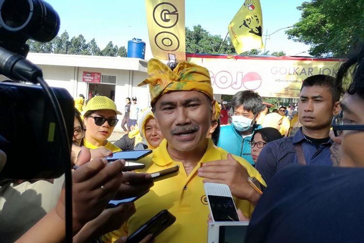 Koordinator Nasional GOJO Rizal Mallarangeng di sela-sela pengkuhan di Pintu Air Banjir Kanal Timur, Duren Sawit, Jakarta, Minggu (1/4/2018).