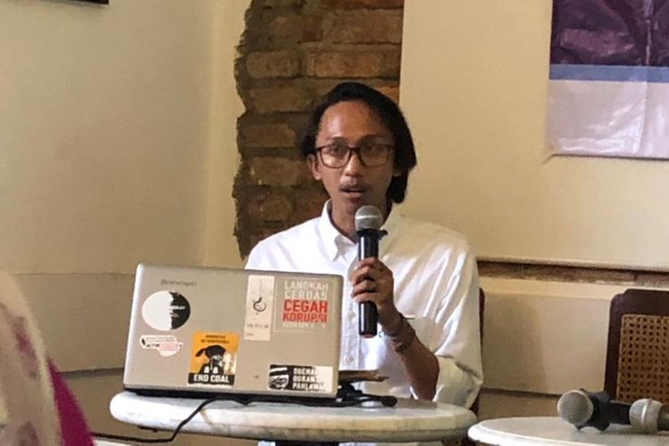 Anggota Divisi Investigasi ICW Wana Alamsyah dalam sebuah diskusi di kawasan Cikini, Senin (26/11/2018).