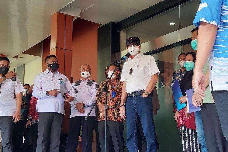 Menteri Hukum dan HAM (Menkumham) Yasonna Laoly saat konferensi pers di RSUD Kabupaten Tangerang, Kota Tangerang, pada Kamis (9/8/2021).