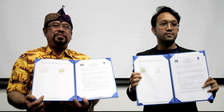 Penandatanganan MOU oleh Rektor UMN Ninok Leksono dan Direktur RII Febrian.